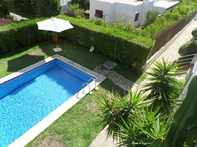 Light and airy apartment overlooking communal gardens and pool in a small well-kept complex in Vera , Spain