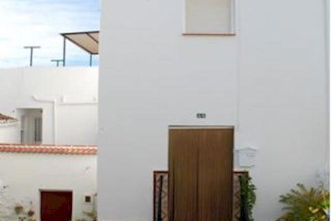 9 slaapkamers Herenhuis te koop in Canillas De Albaida
