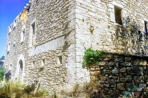 6 soverom Gårdshus til salgs i Castelltercol