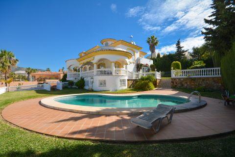 4 slaapkamers Villa te koop in Benalmadena