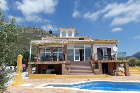 4 sovrum Hus på landet till salu i Alcaucin