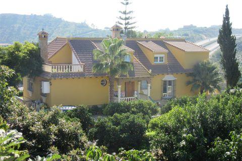 6 habitaciones Villa en venta en Velez Malaga