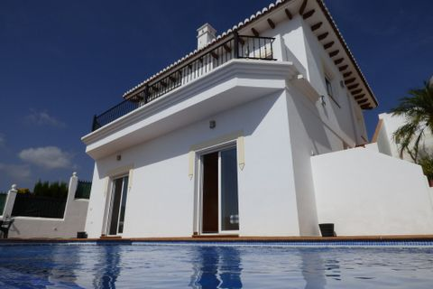 3 slaapkamers Villa te koop in Torrox