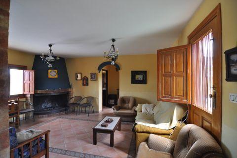4 habitacions Casa al camp per llogar en Pinoso