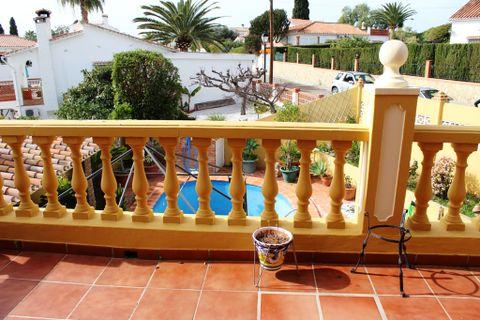 5 спальни дом купить во Caleta De Velez