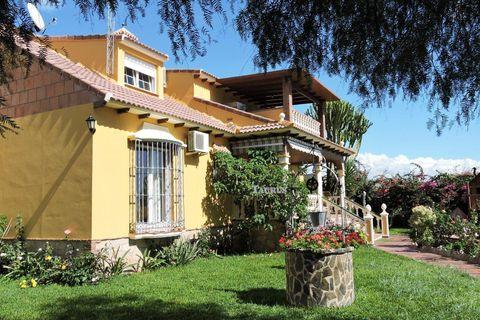 6 спальни дом купить во Benajarafe