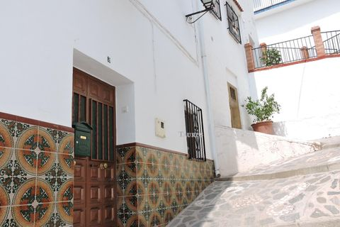 3 bedrooms Town house for sale in Canillas De Albaida