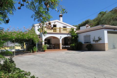 4 slaapkamers Villa te koop in Sayalonga
