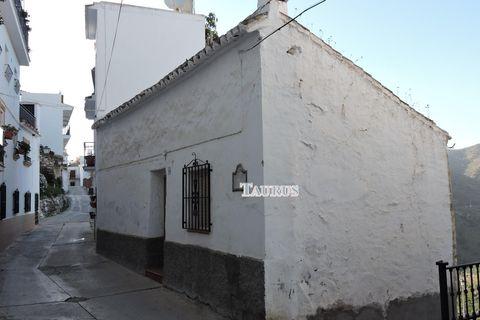 1 habitación Casa adosada en venta en Sayalonga