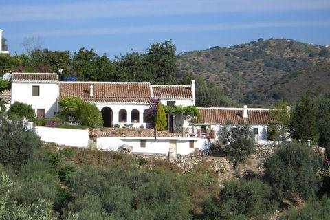 6 sovrum Hus på landet till salu i Comares