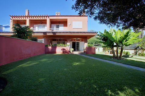 4 habitaciones Casa adosada en venta en Málaga