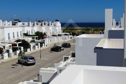 3 bedroom Town house to rent in Vila Real de Santo Antonio