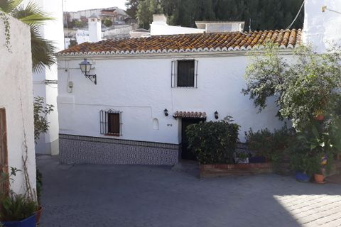 2 bedrooms Village house for sale in Benamocarra
