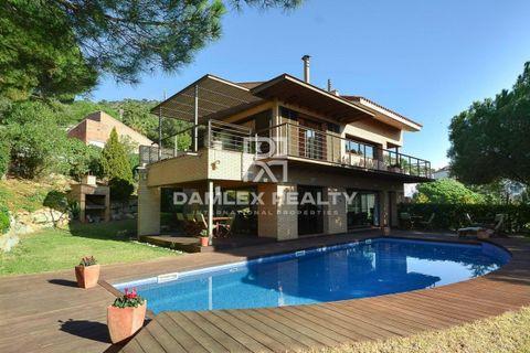 4 bedrooms Villa for sale in Cabrils