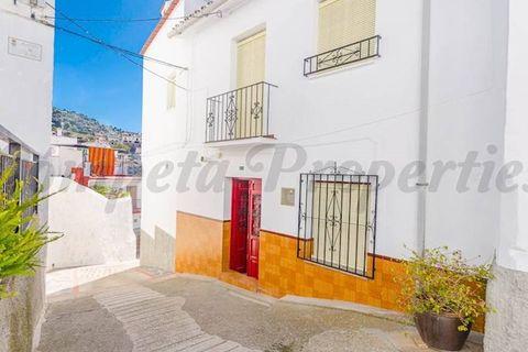 2 habitacions Casa en ciutat per vendre en Canillas De Albaida