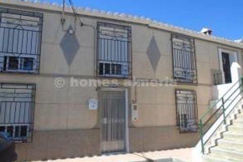3 bedrooms Town house to rent in Taberno