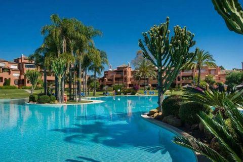 2 bedrooms Apartment to rent in Guadalmina