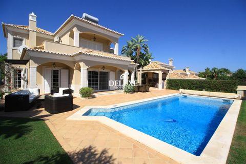 5 bedrooms Villa for sale in Almancil