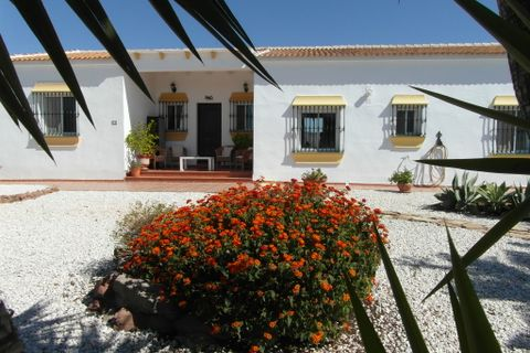 3 bedrooms Villa for sale in Almogia