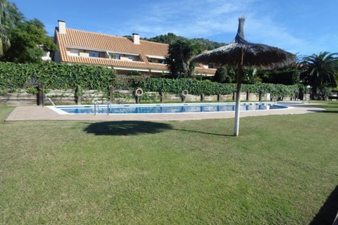 4 bedrooms Terraced house to rent in Sitges