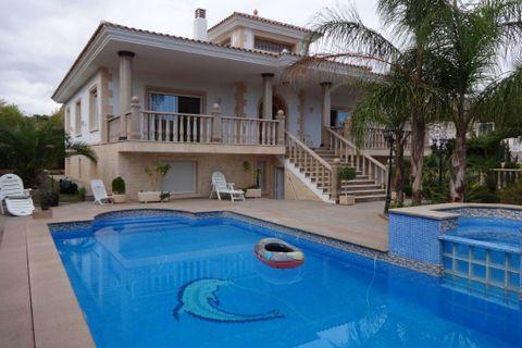 6 camere da letto Villa in vendita in Alfaz del Pi