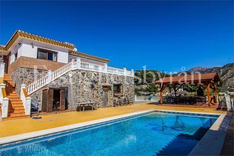 4 slaapkamers Villa te koop in Frigiliana