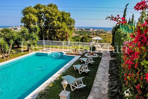 6 slaapkamers Villa te koop in Torrox