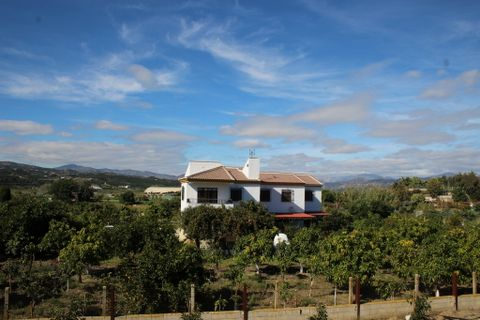 7 habitacions Casa al camp per vendre en Velez Malaga