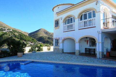 4 slaapkamers Villa te koop in Competa