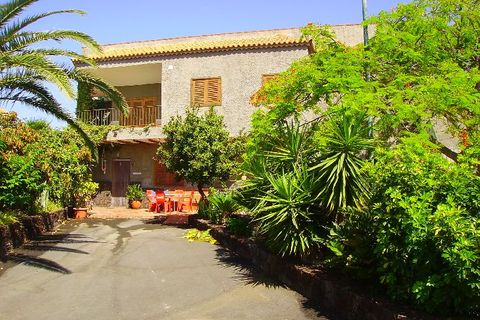 4 bedrooms Country house for sale in Buzanada