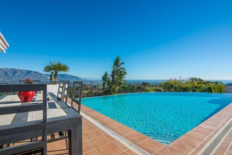 5 bedrooms Villa for sale in Elviria