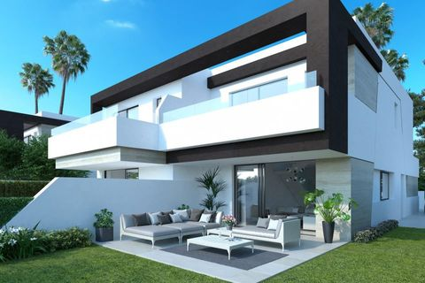 4 bedrooms Town house for sale in Estepona