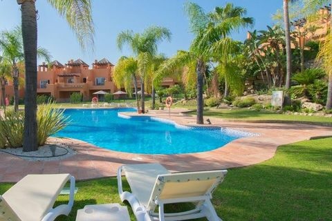 3 bedrooms Town house to rent in El Paraiso