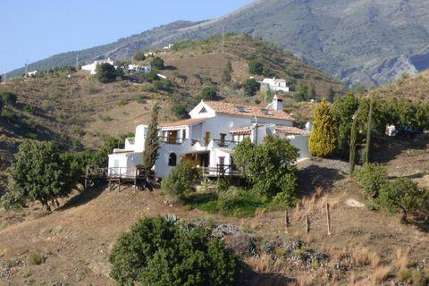 4 soverum Villa til salg i Canillas De Aceituno