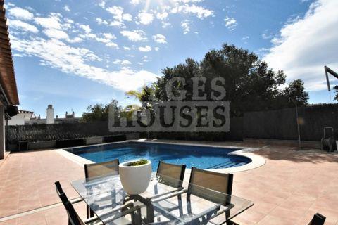 4 dormitorios Villa en venta en Sitges