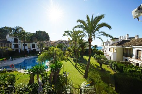 2 bedroom Town house for sale in Estepona