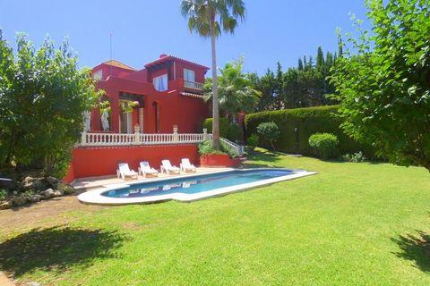 5 slaapkamers Villa te koop in Nueva Andalucia