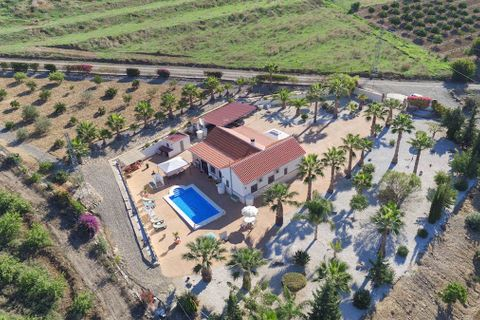 3 soverum Villa til salg i Pizarra