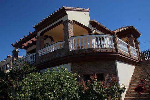 3 спален Дача купить во Algarrobo Costa