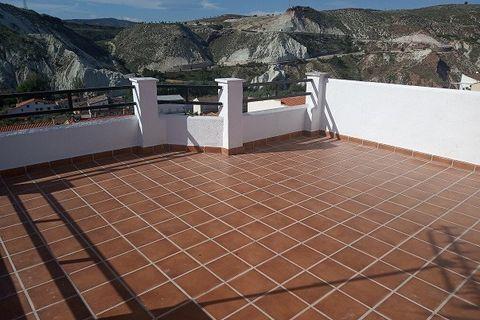 5 habitacions Casa en ciutat per vendre en Hinojares