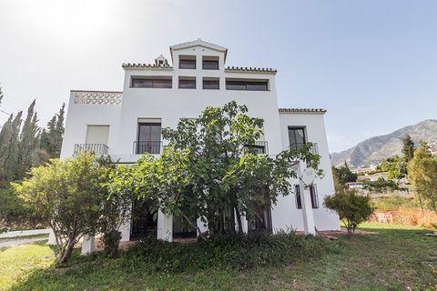 8 bedroom Villa for sale in Mijas