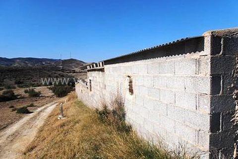 0 habitacions Casa al camp per vendre en Zurgena