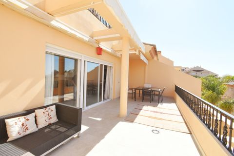 3 bedrooms Penthouse for sale in Nueva Andalucia