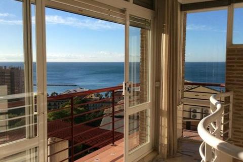 6 quartos Moradia para comprar em Malaga