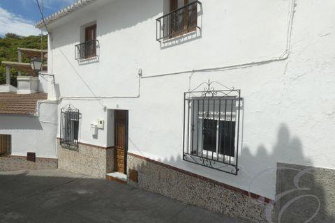 6 спальни дом купить во Benamocarra