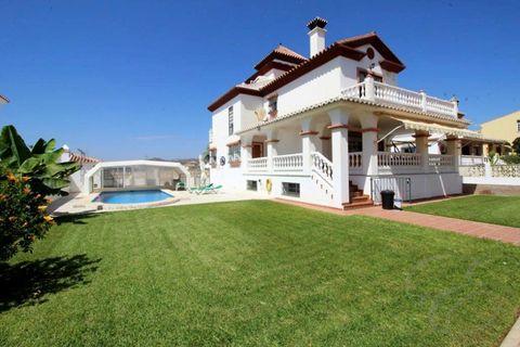 6 soverom Villa til salgs i Velez Malaga