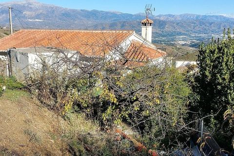 3 bedroom Country house for sale in Iznate