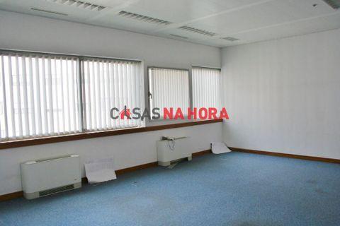 0 quartos Propriedade comercial para arrendar em Oeiras