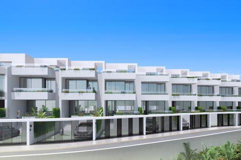 3 slaapkamers Herenhuis te koop in Fuengirola