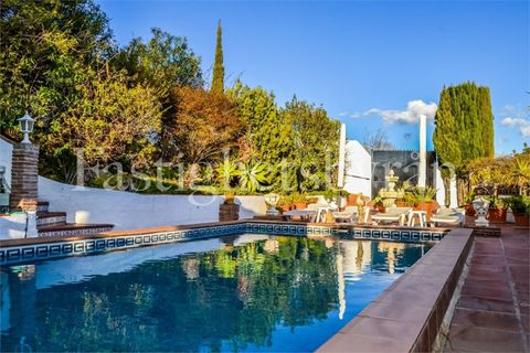 6 slaapkamers Villa te koop in Velez Malaga